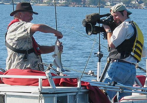 Texas parks wildlife filming catfish fishing on lake conroe for Lake conroe fishing guides